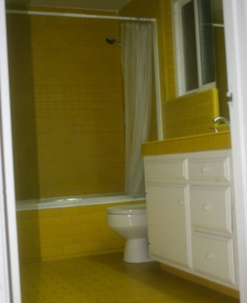 yellow_bathroom2